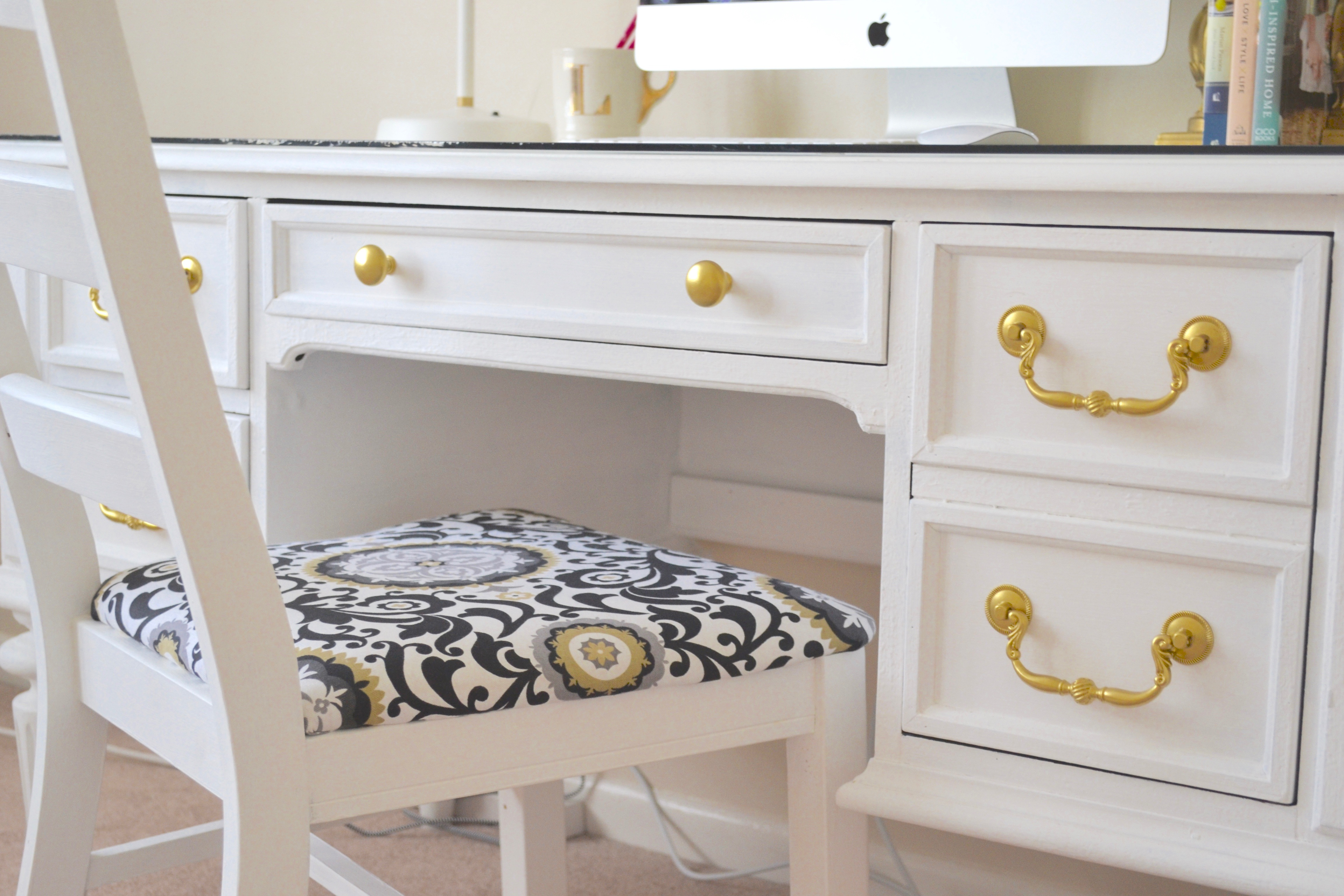 chalk paint white desk chic inspirational office 4