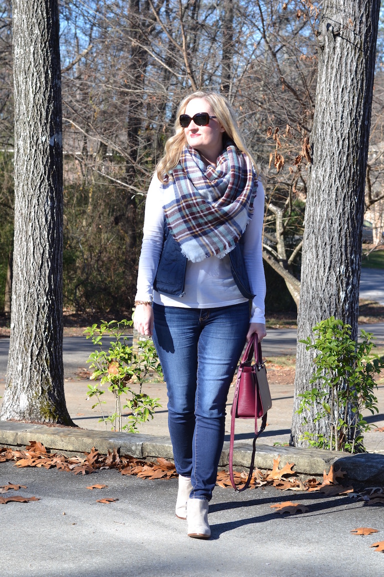 Trendy Wednesday Link-up #52: Blue & Burgundy