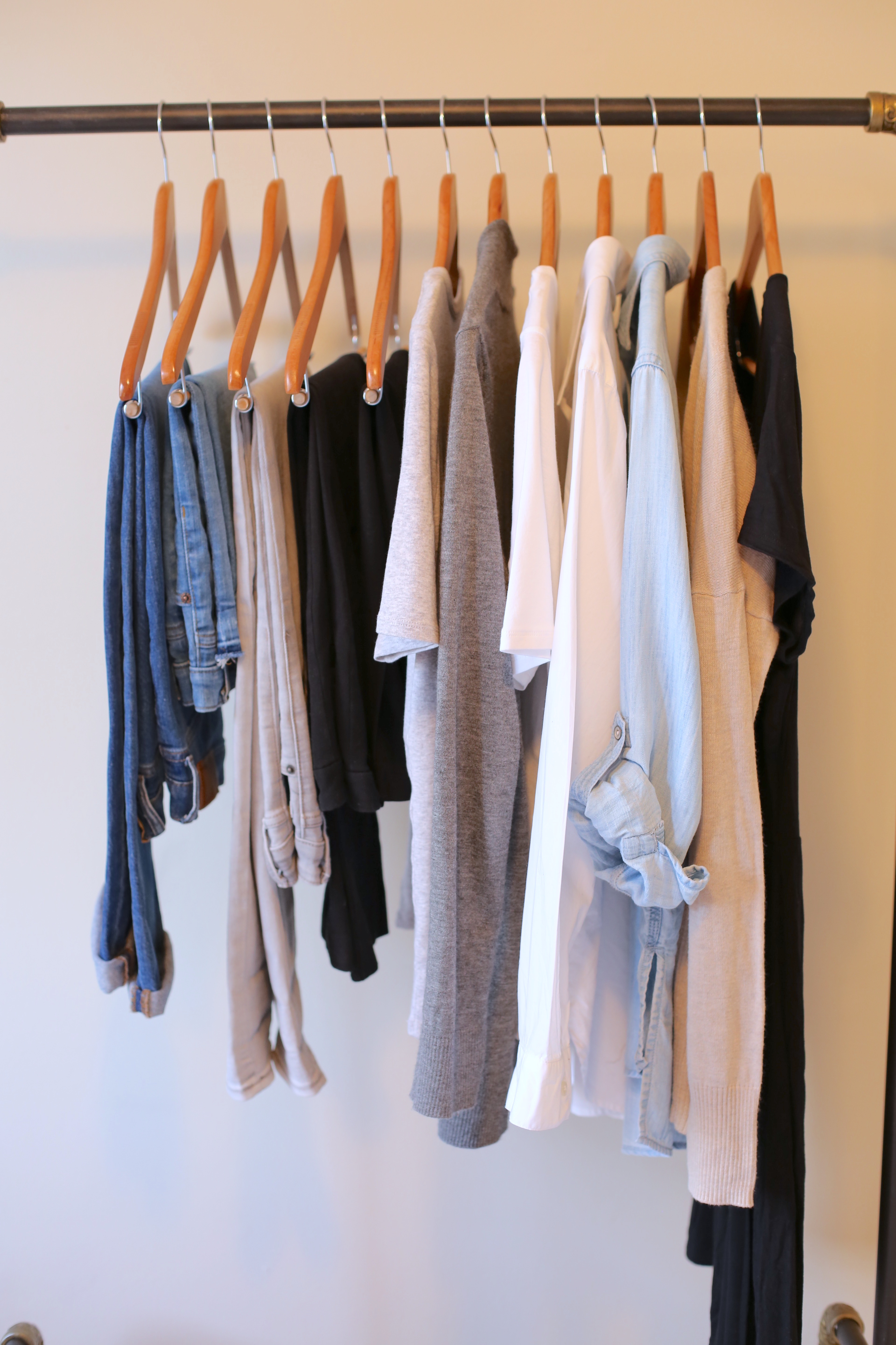 create a capsule wardrobe - neutral tops bottoms