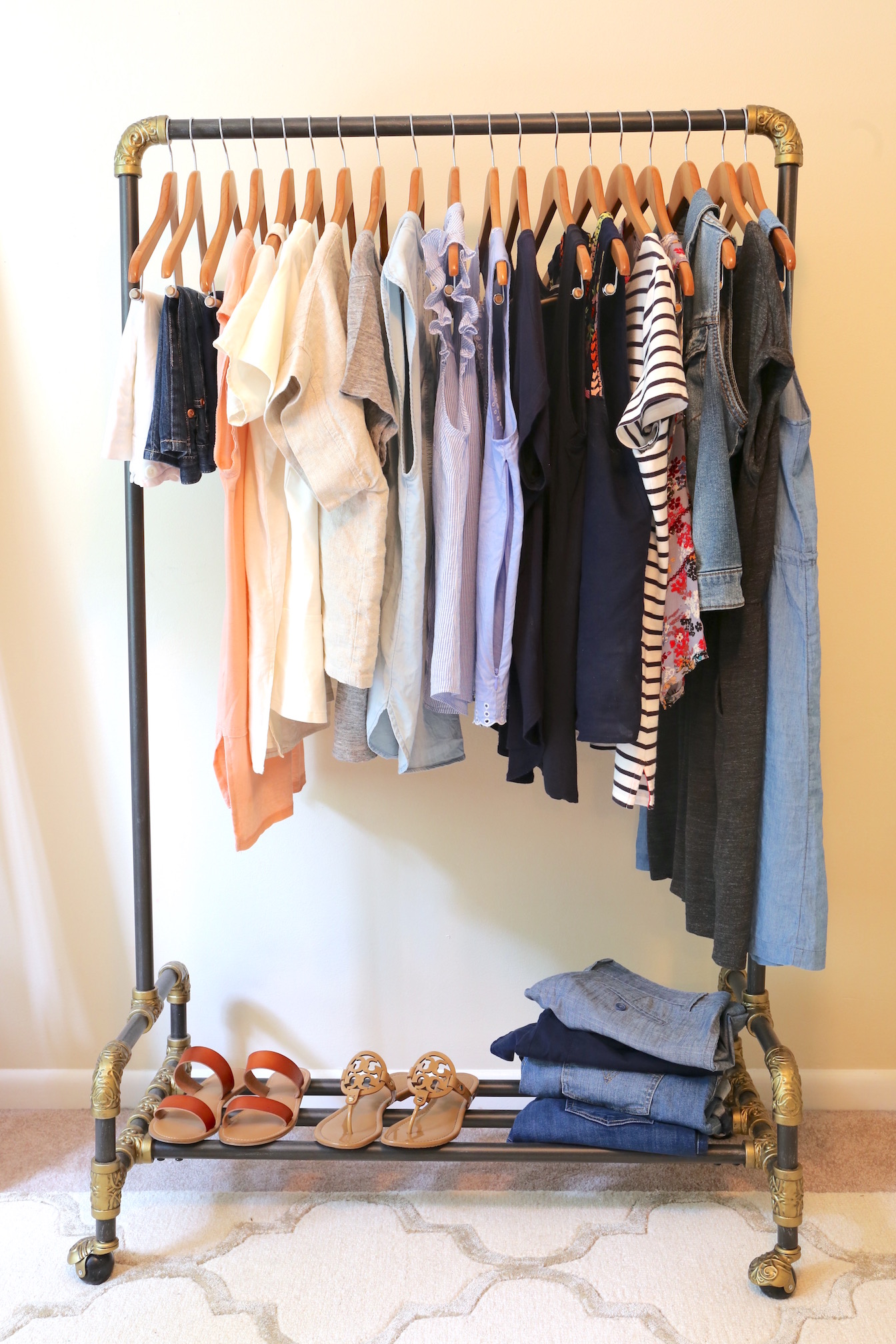 My Summer 2017 Capsule Wardrobe