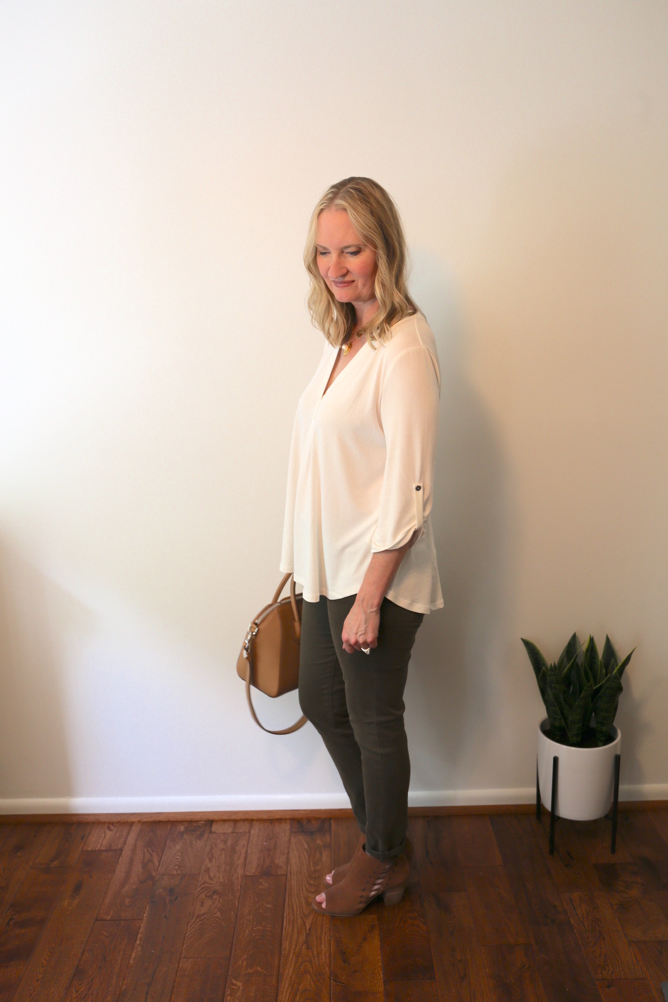 A Fall 10x10 Challenge Outfit and Initial Necklace e