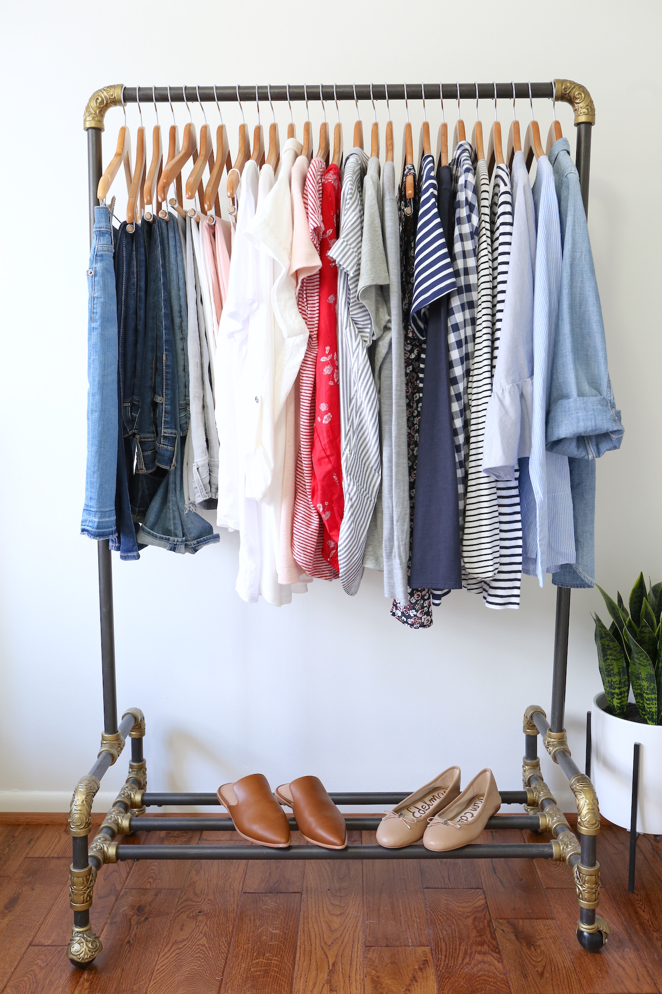 My Spring 2018 Capsule Wardrobe - clothes rack full