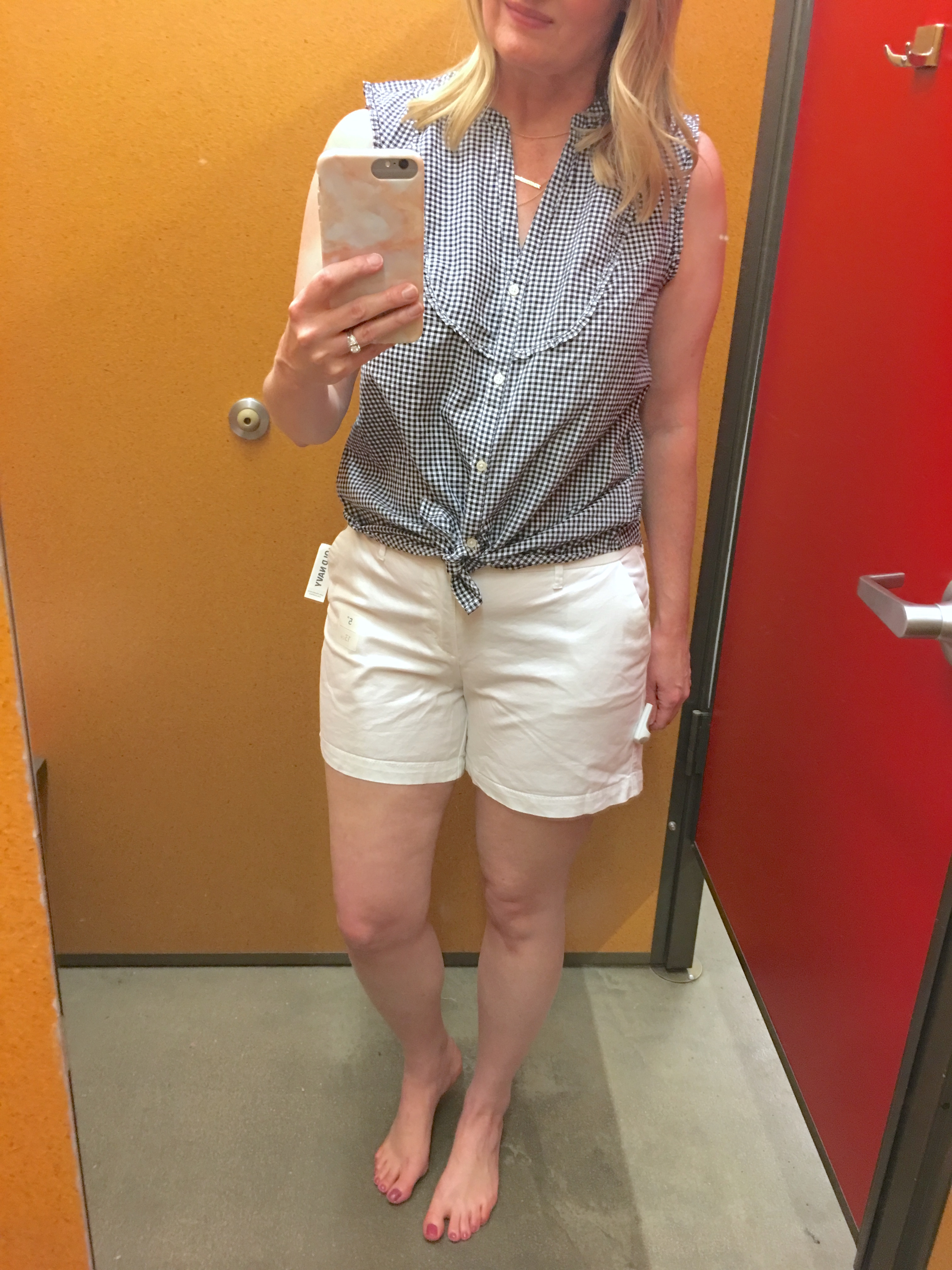 dc12a418b Old Navy Fitting Room Spring Reviews - See a try on session of budget  friendly Old