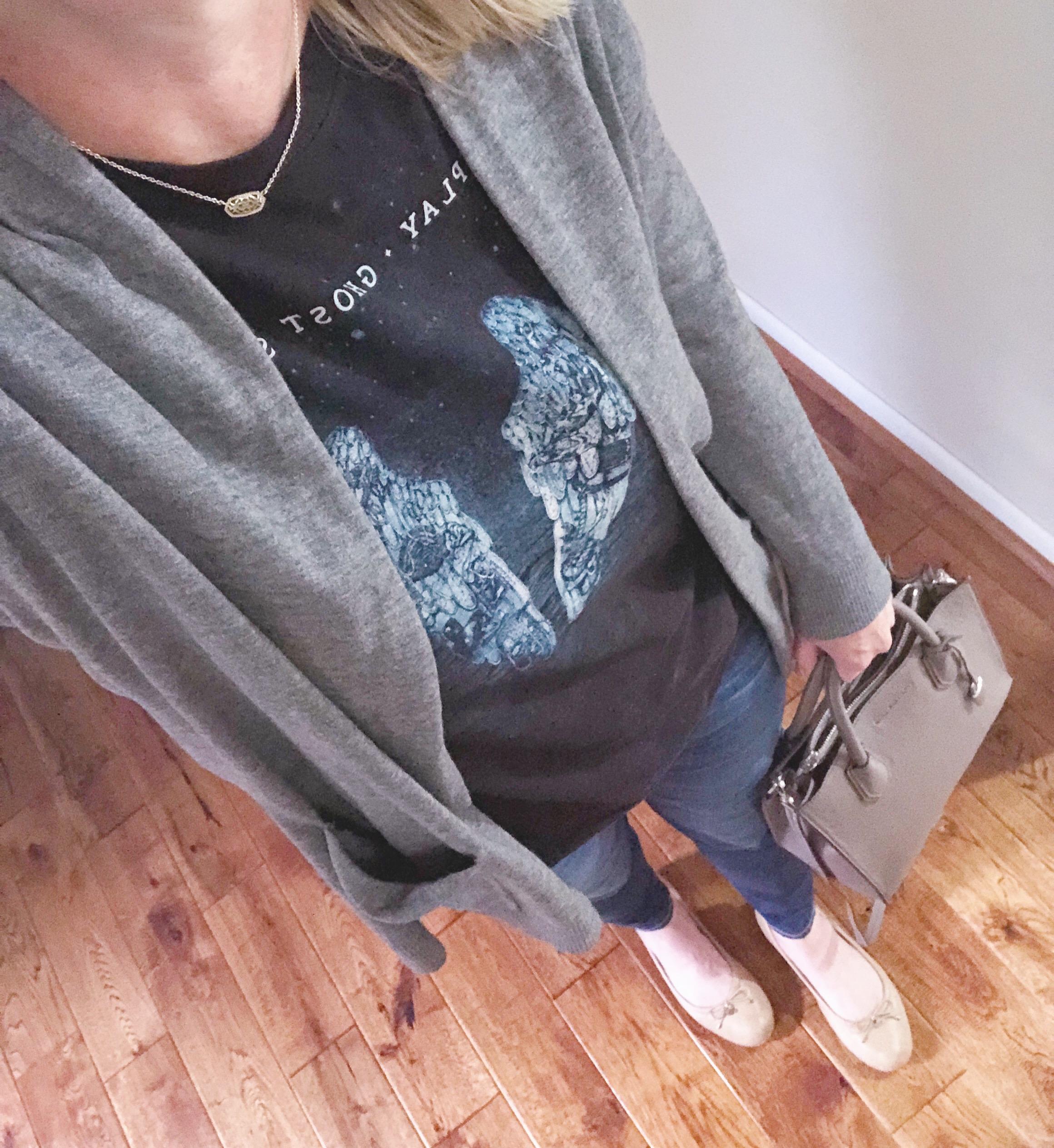 Instagram September 2018 - graphic tee gray cardigan skinny jeans ballet flats