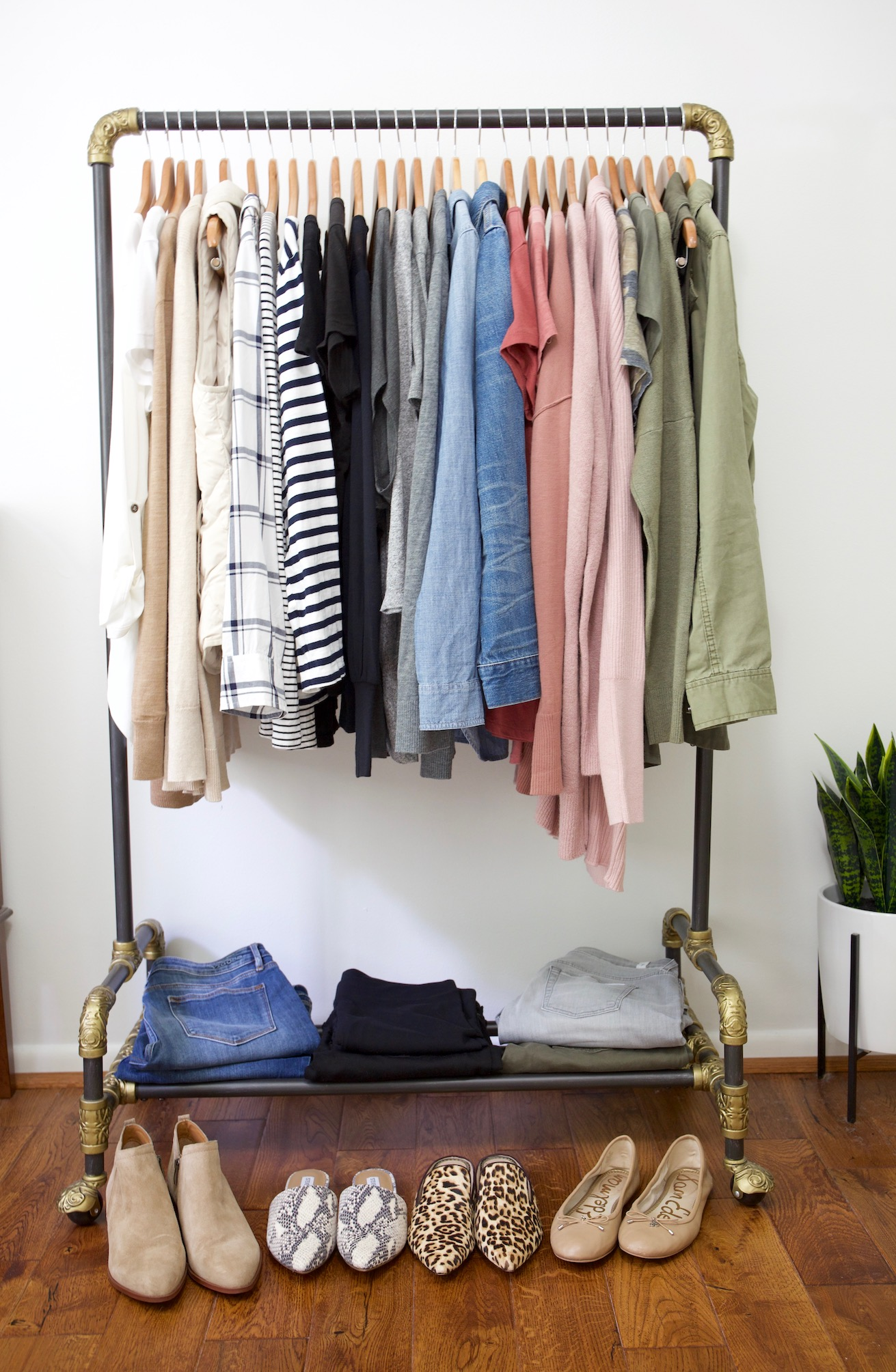My Fall 2018 Capsule Wardrobe - clothes rack