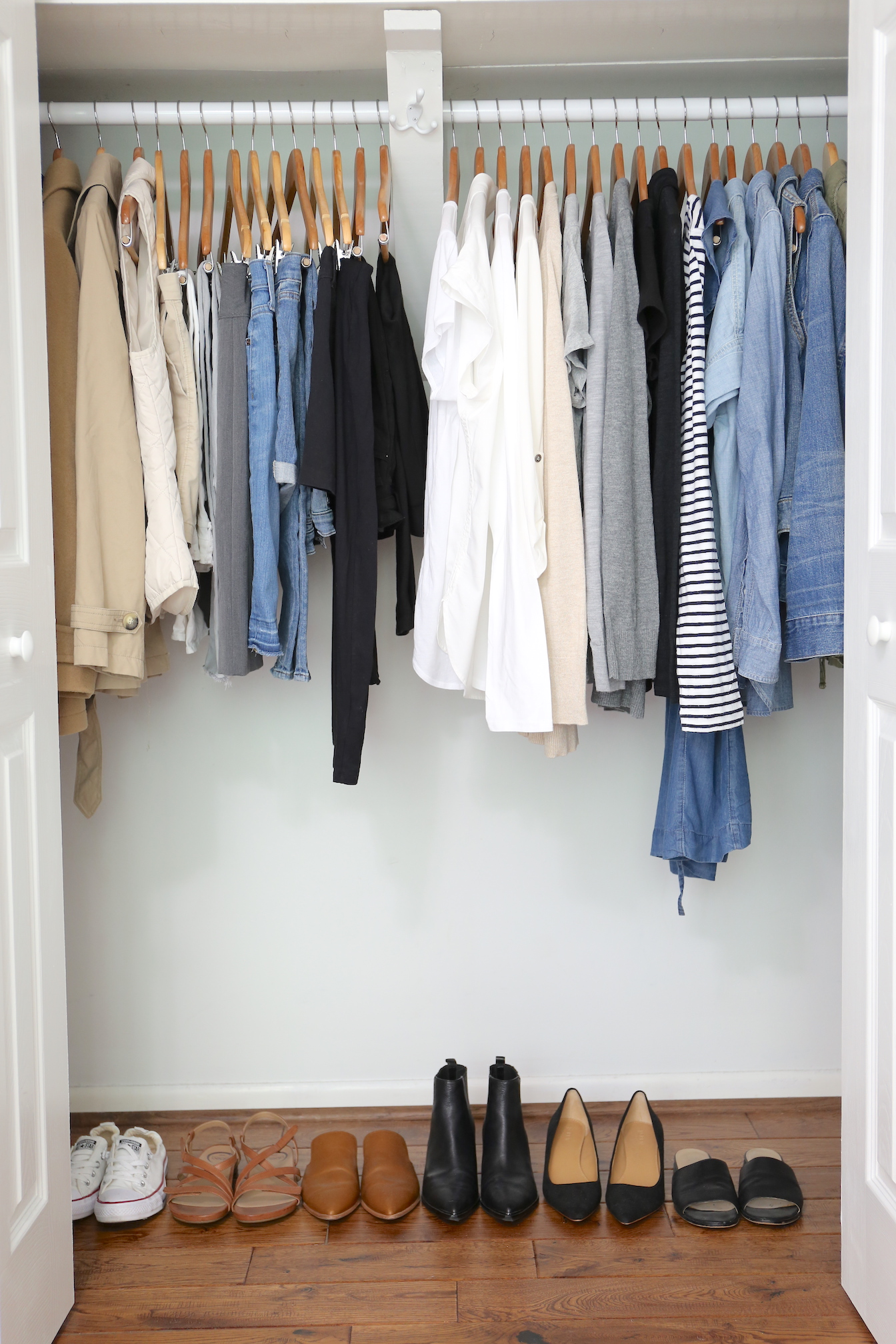 SIMPLIFIED STYLE - CLOSET
