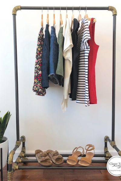 Savannah Georgia May 2019 - travel capsule clothes rack