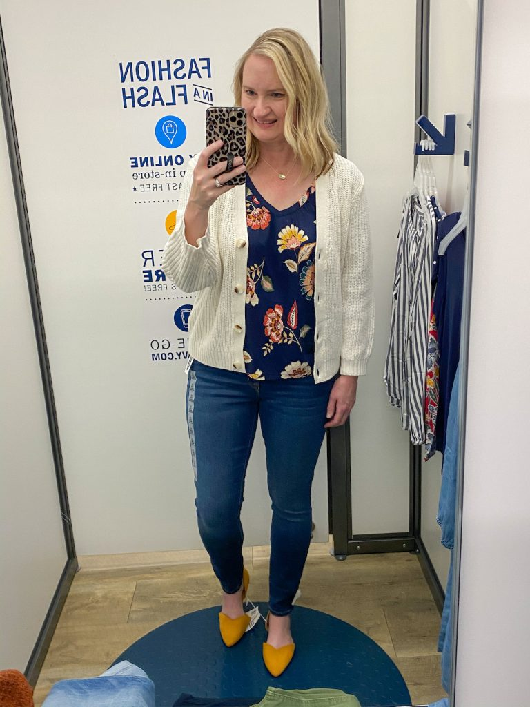 Old-Navy-Try-On-Dressing-Room-Spring-Feb-2020-navy-floral-top-skinny-jeans-ivory-cardigan