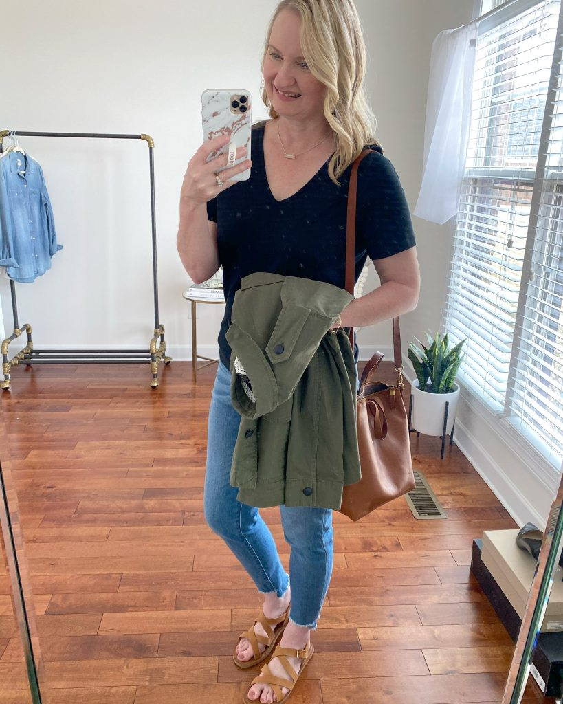 5-DAY-SPRING-TRAVEL-CAPSULE-WARDROBE-OUTFIT-1