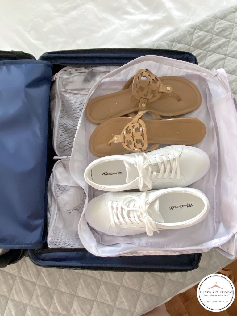 5-DAY-TRAVEL-CAPSULE-WARDROBE-SHOES-IN-PACKING-CUBE-CARRY-ON-SUITCASE