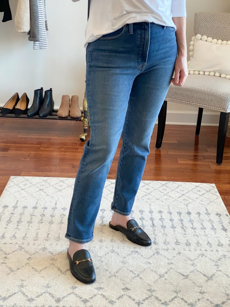Madewell J Crew Try-On Nov20 - Perfect Vintage Jeans Maplewood Wash closeup