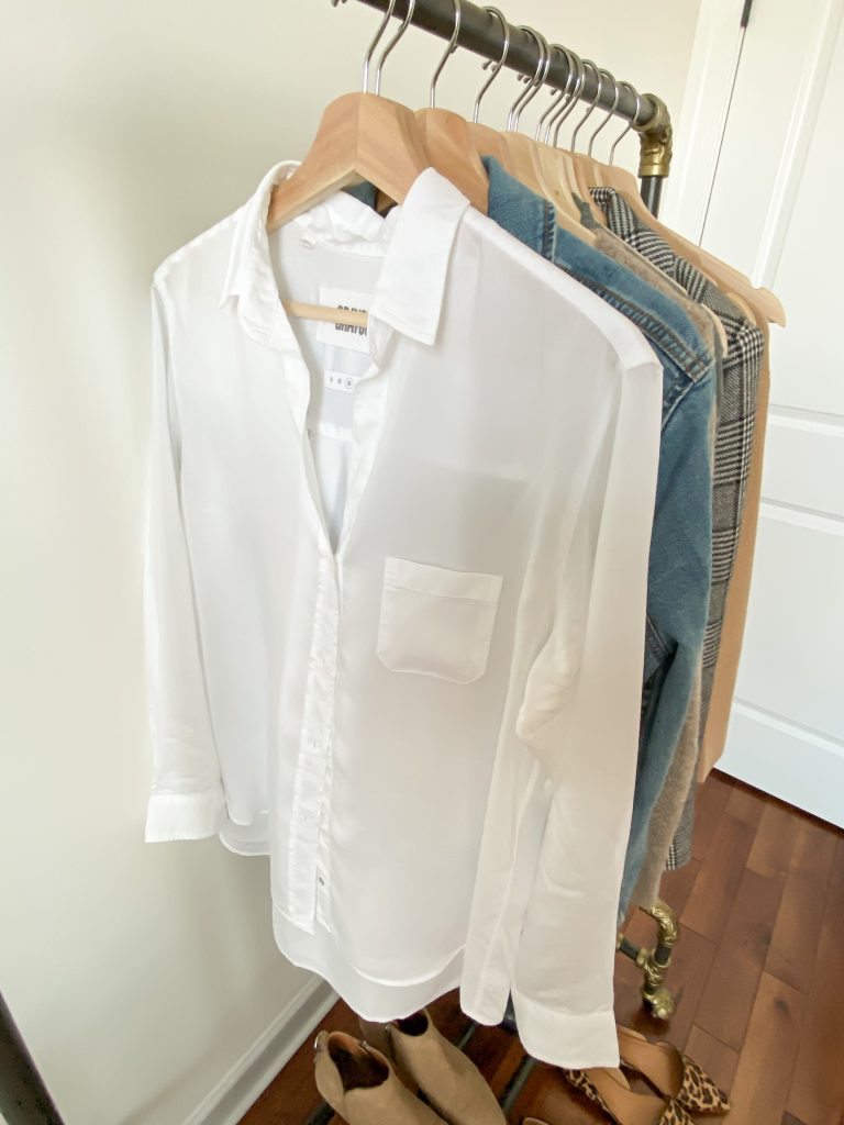 6 Ways To Wear White Button Down Shirt - closeup