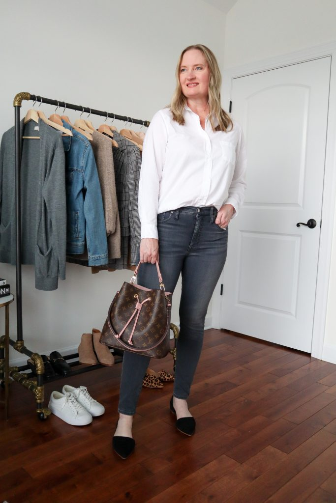 6 Ways To Wear White Shirt - Dark Wash Skinny Jeans Black Flats Louis Vuitton NeoNoe Bag