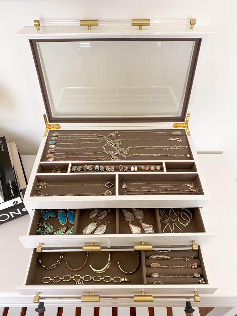Kendra Scott Large Jewelry Box open front