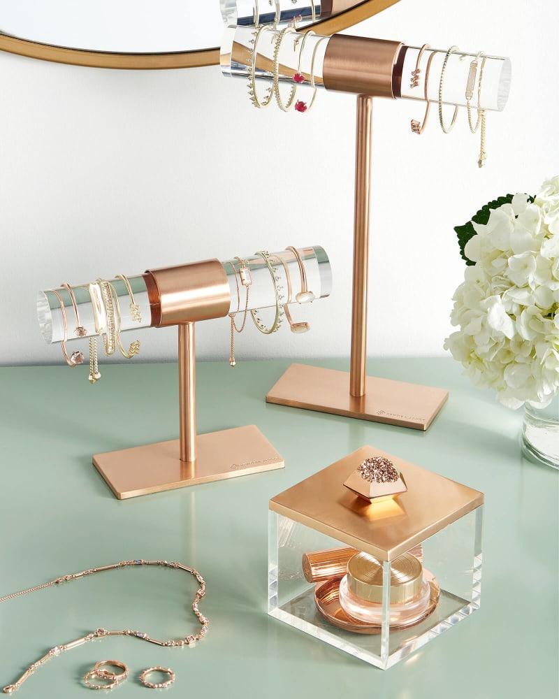 kendra-scott-small-t-bar-stand-rose-gold-clear-03-lg