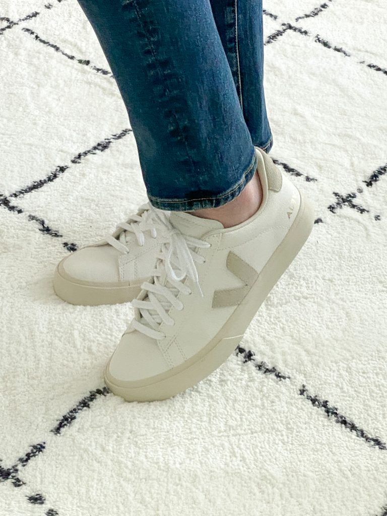 Try-On Session September 2021 - Veja Campo Sneakers